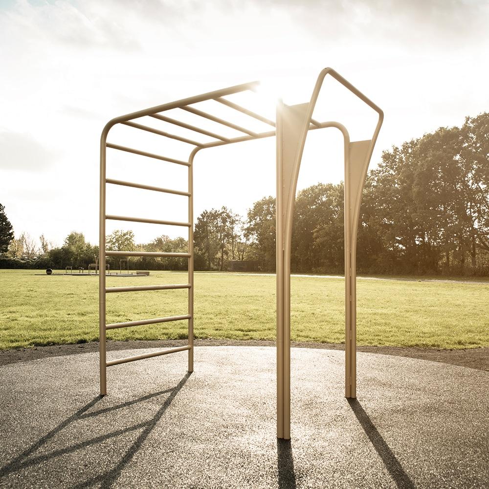 Funktionelle udendørs motionsredskaber i flot design til fitness Køb her