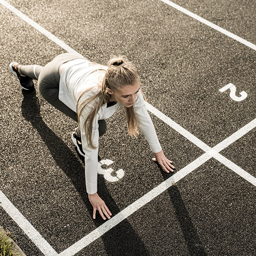 Atletikbane i fuldstoebt gummibelaegning helstoebt EPDM gummibelaegning