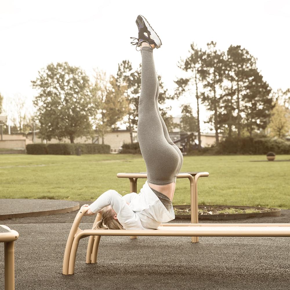 Udendørs træningsredskaber til mave øvelser udendørs fitnesredskaber